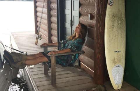 La famiglia di Cindy Crawford è in vacanza/relax sul lago in Canada