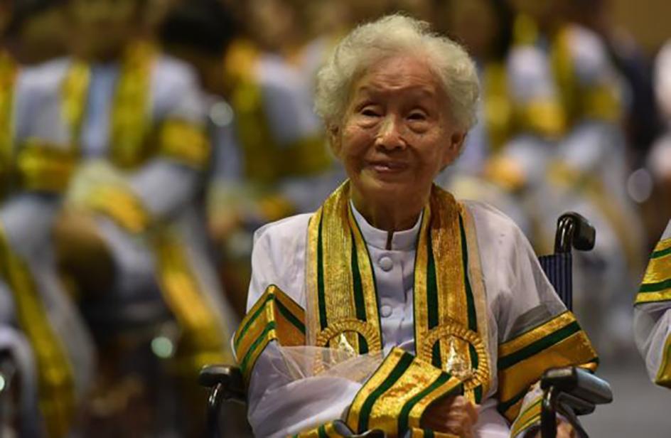 """A 91 anni prende finalmente la laurea: """"Non è mai troppo tardi per studiare"""""""