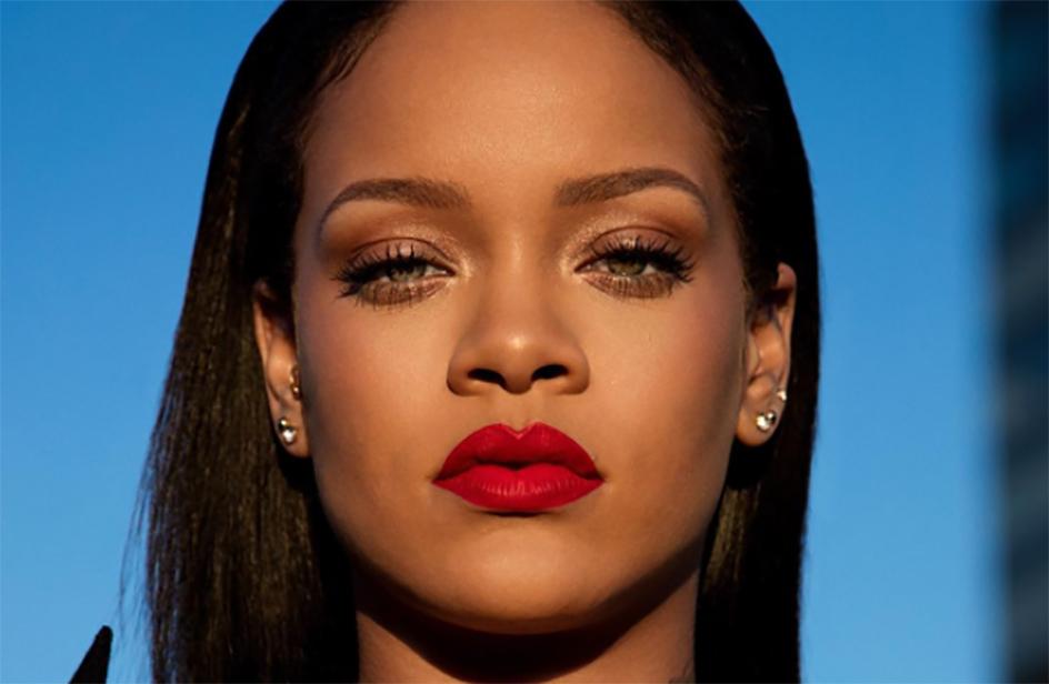 Come mettere il rossetto? Ecco il tutorial di Rihanna
