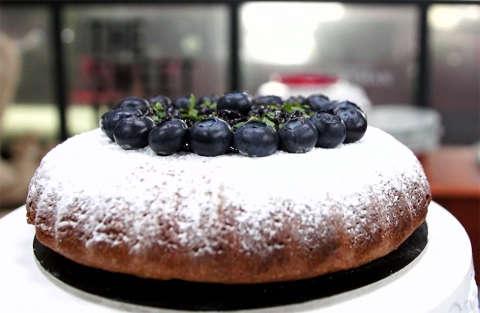 Cake al grano saraceno e confettura di mirtilli