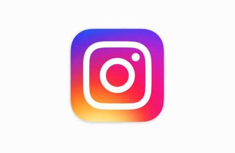 "Arriva il tasto ""Regram"". Instagram sempre più uguale a Facebook"