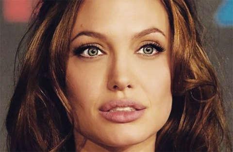Sogna Angelina Jolie e si è trasformata così...