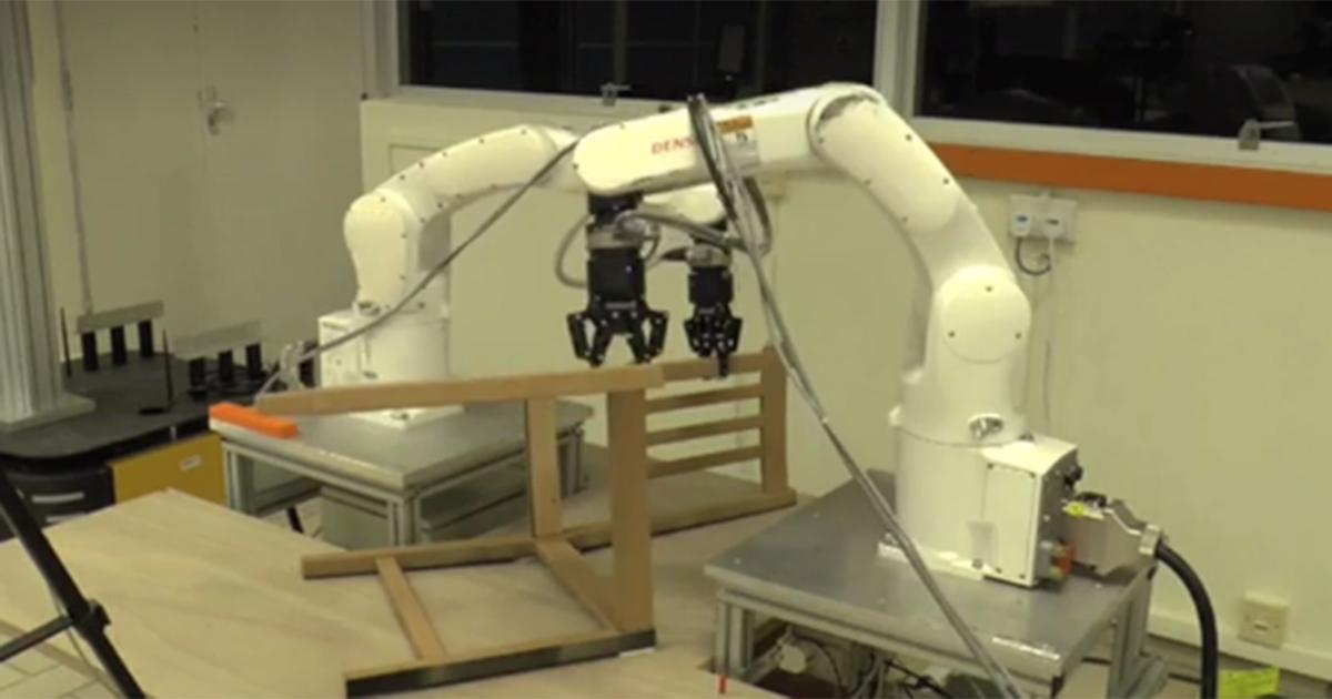 Così il robot costruisce in soli 9 minuti la sedia di Ikea