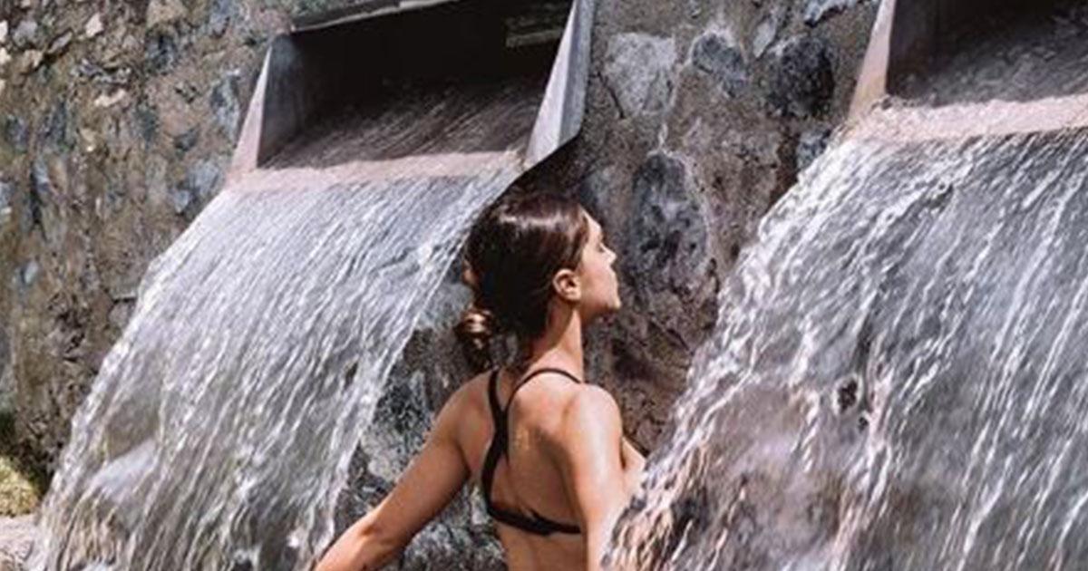 Cecilia Rodriguez si rinfresca per l'estate ma la foto infiamma i fan