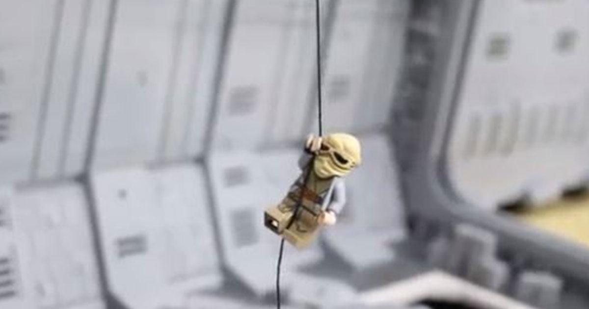 La scena di Star Wars ricreata con 25mila Lego