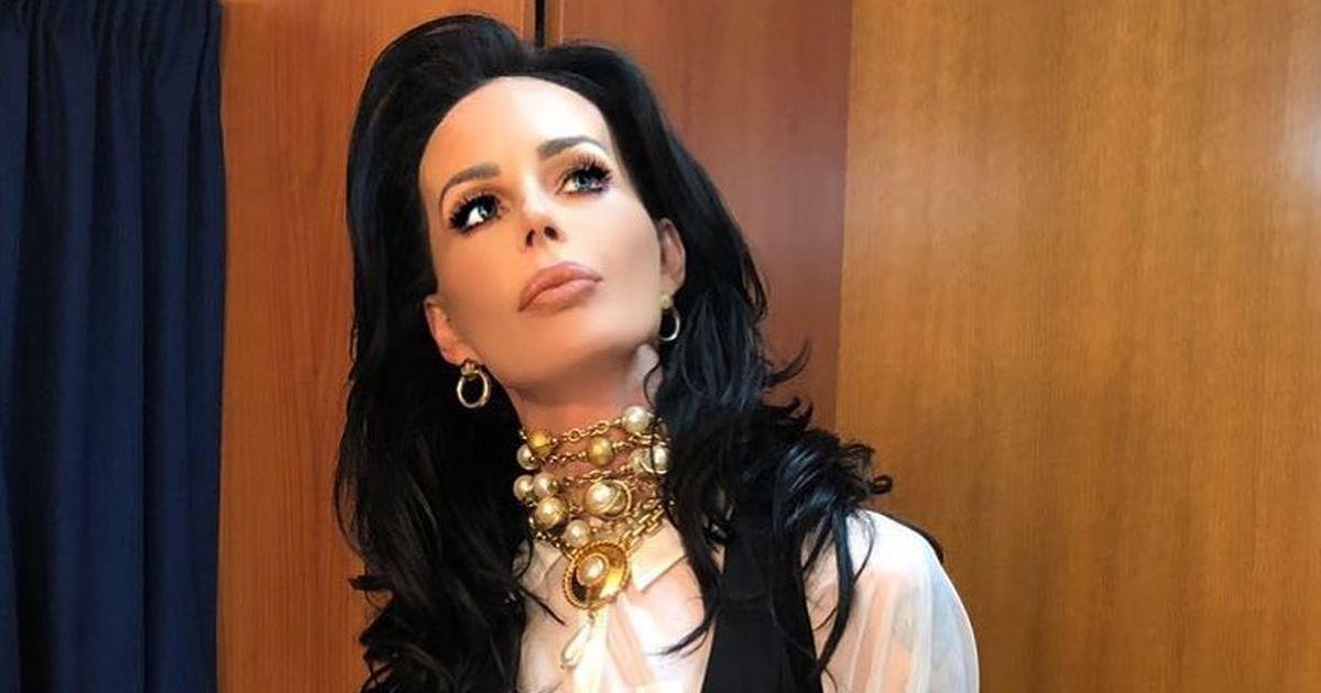 Nina Moric dopo gli attacchi sul web torna al GF con un nuovo look