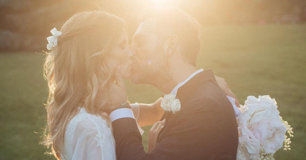 Filippa Lagerback e Daniele Bossari si sono sposati. La foto più bella? Quella di Filippa e Stella