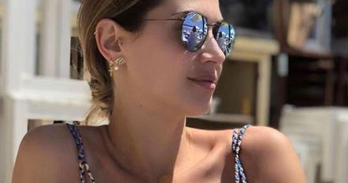 Melissa Satta: foto bollente in spiaggia e i fan impazziscono
