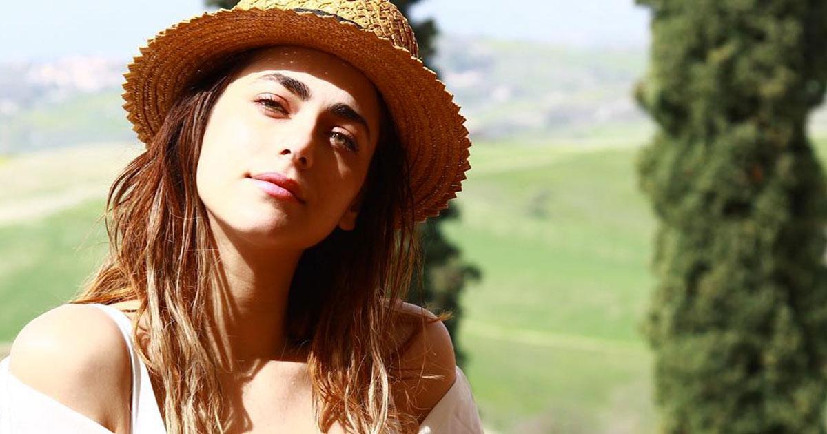 Miriam Leone: lo scatto in campagna hot