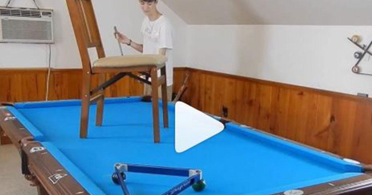 Usa: ragazzino gioca a biliardo da maestro le sue performance sono virali