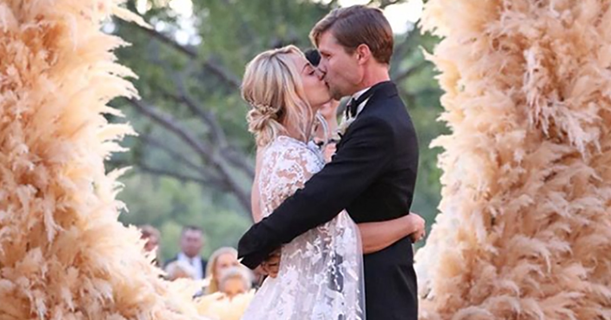 Penny di 'The Big Bang Theory' si sposa, ma non con Leonard! Auguri Kaley e Karl