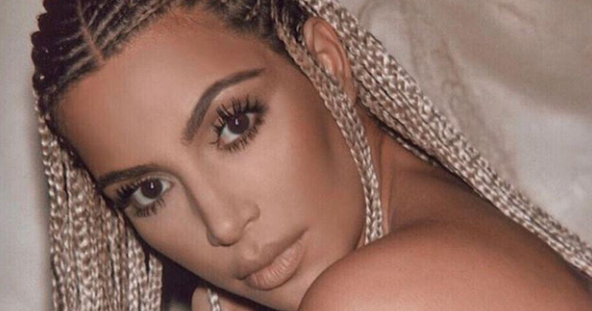 Kim Kardashian: il ritorno hot rigorosamente in lingerie