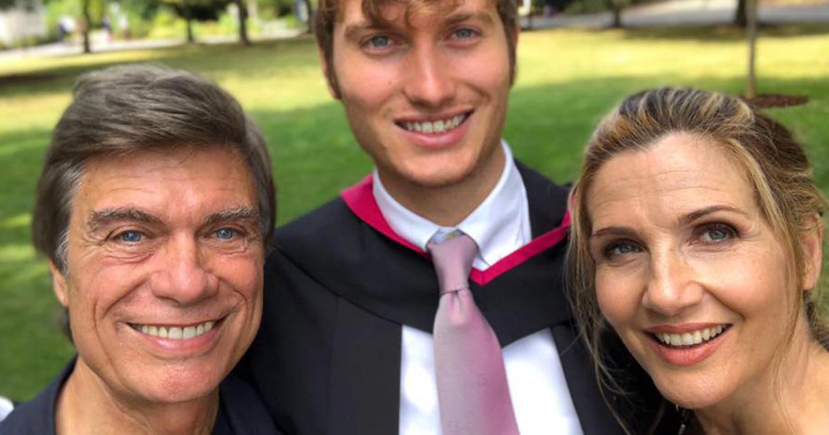 Lorella Cuccarini: il messaggio al figlio dopo la laurea che emoziona