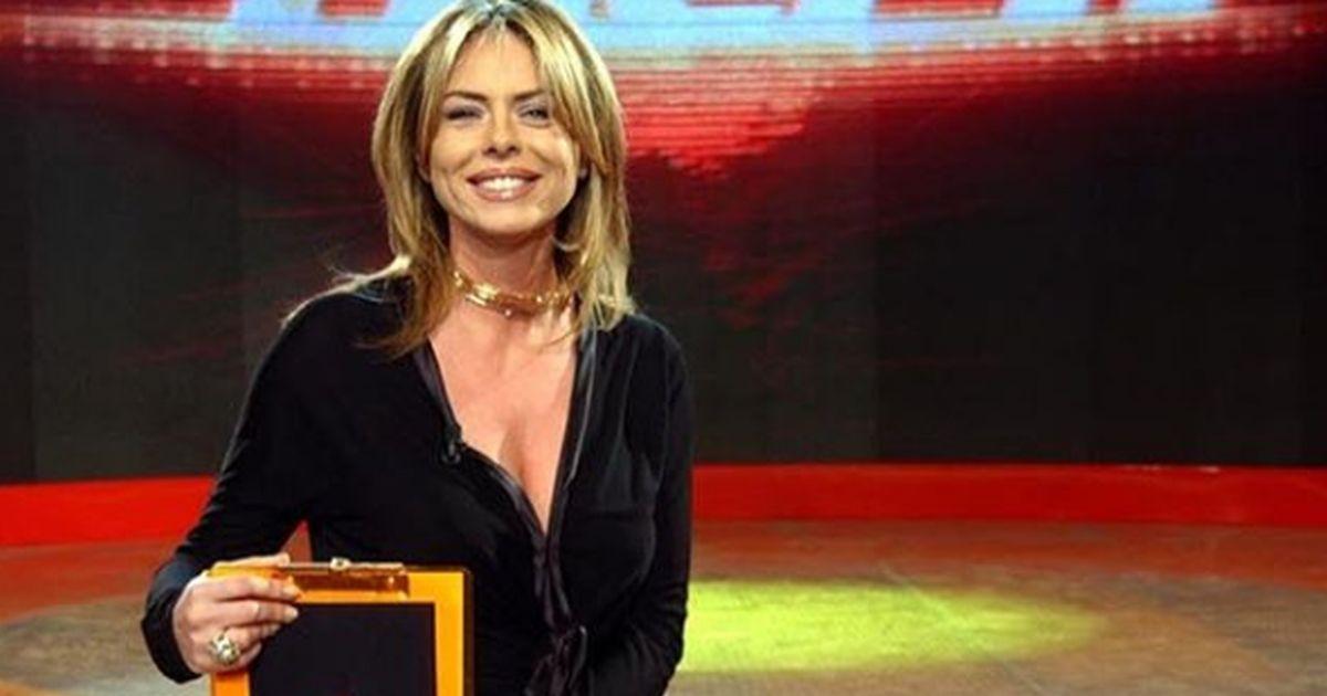 Occhio alla foto: i fan non riconoscono più Paola Perego