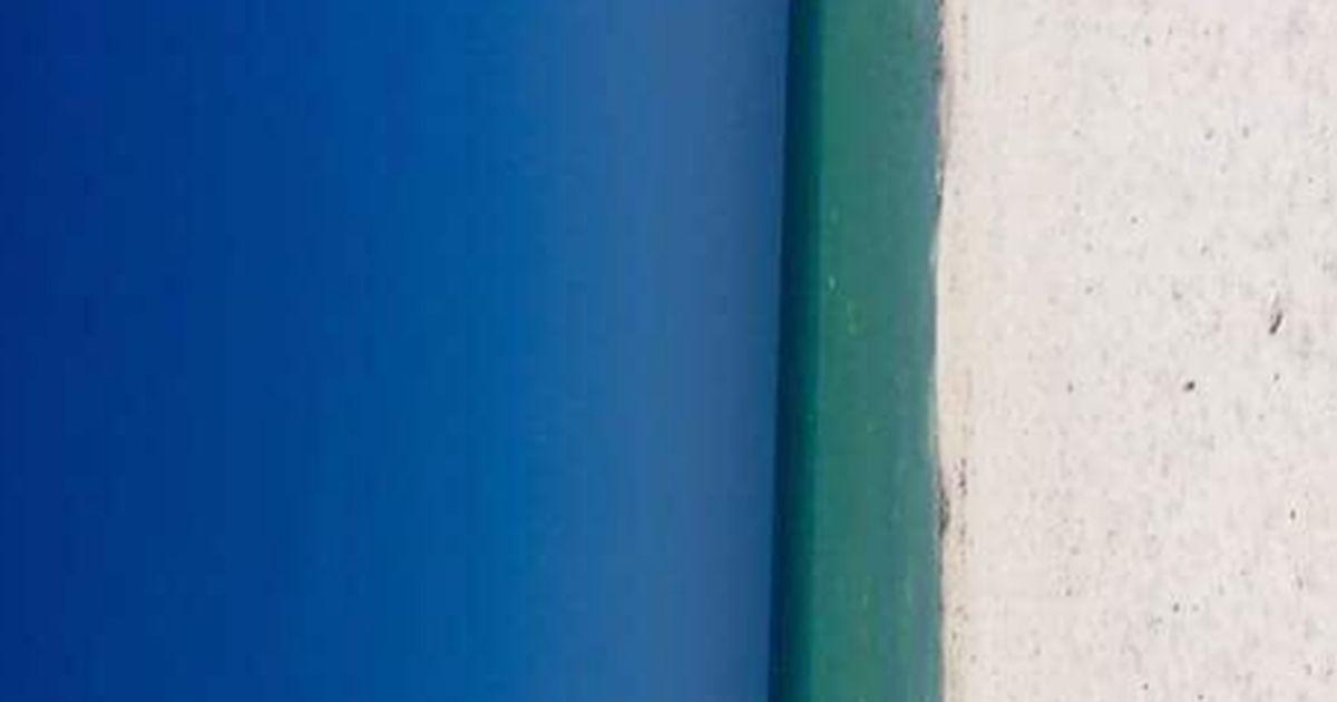 L'enigma estivo senza soluzione: è una porta o una spiaggia?