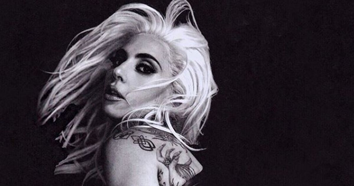 Lady Gaga shock: tre scatti di nudo integrale per i fan