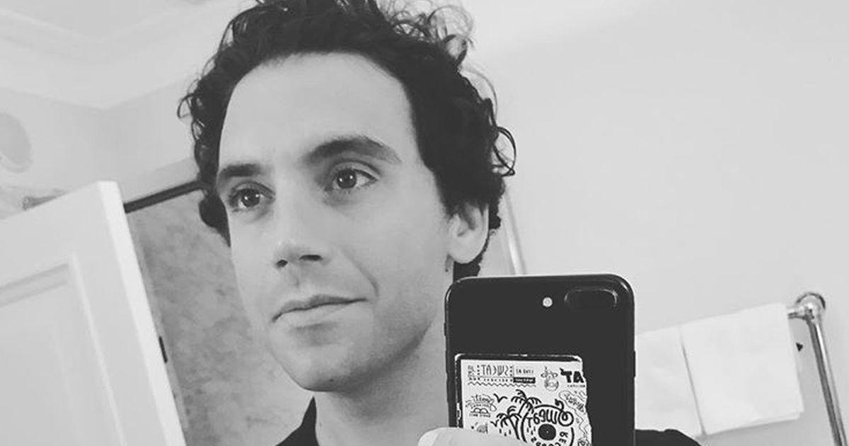 Mika apre in diretta Instagram l'invito dei Ferragnez: ecco la sua reazione