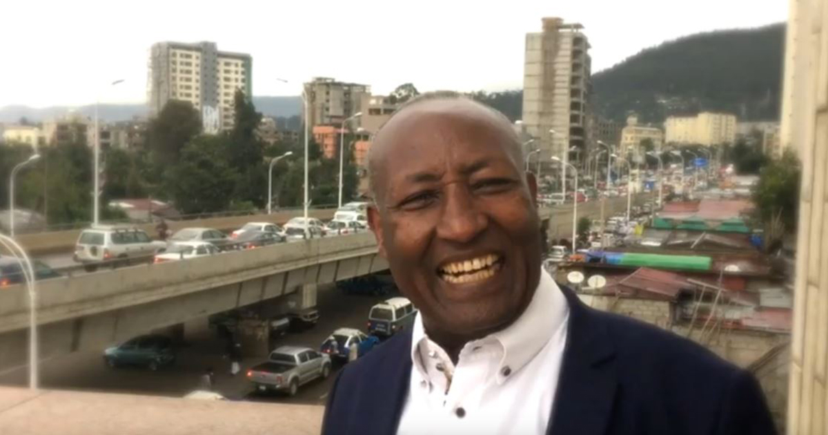 L'uomo con la risata più lunga del mondo: ecco quanto dura