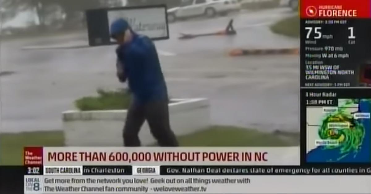 Il meteorologo sfida le raffiche...sarà vero?