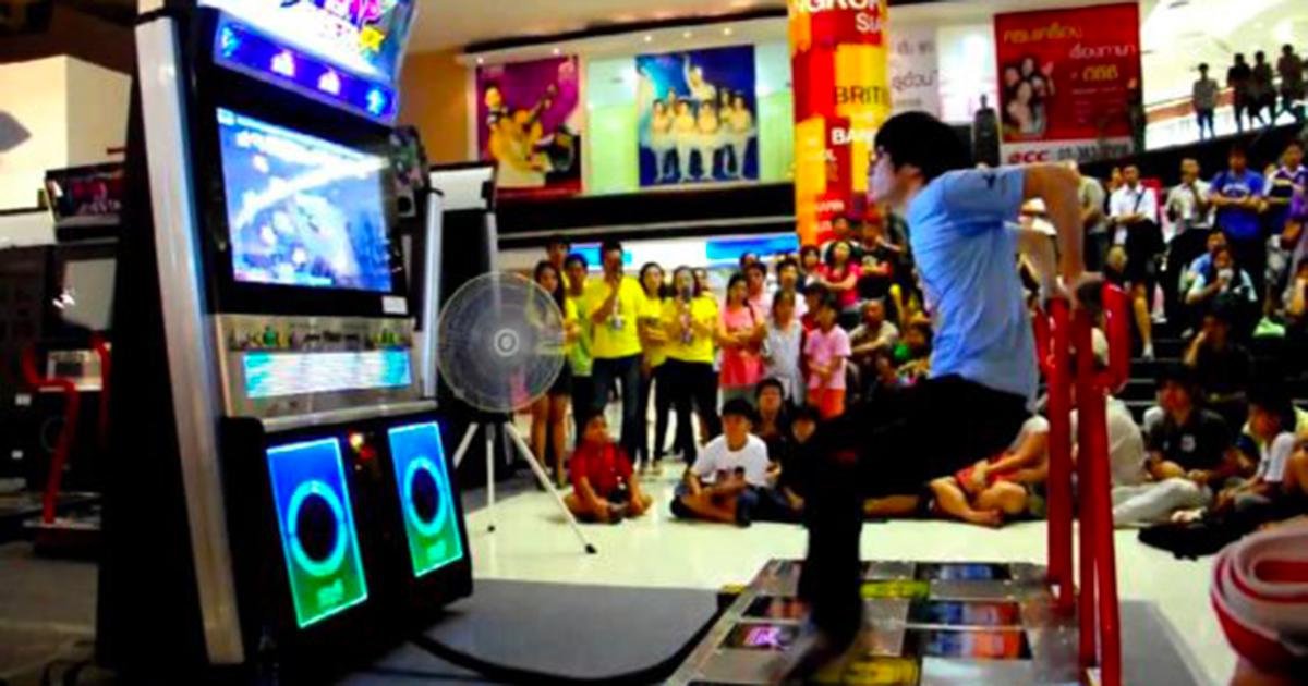 Gioca a Dance Dance Revolution: perde 50KG e si salva la vita