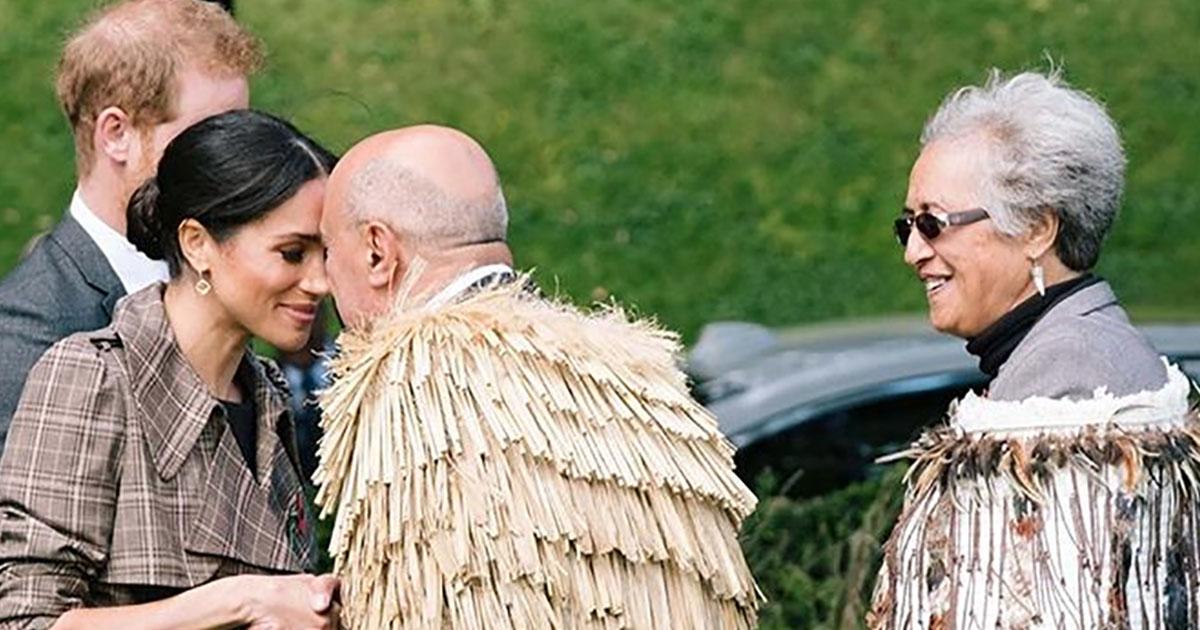 Meghan e Harry tra i Maori, in loro onore l'haka dedicato