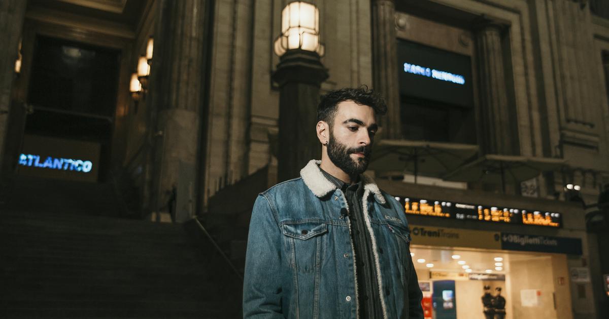 Marco Mengoni: un concerto speciale nella stazione Centrale di Milano