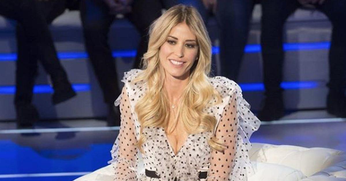 Elena Santarelli si confessa in tv: 'Lotto come farebbe ogni mamma'