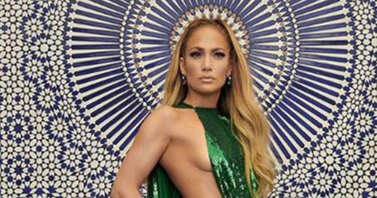 Jennifer Lopez: fisico da urlo sotto il vestito griffato