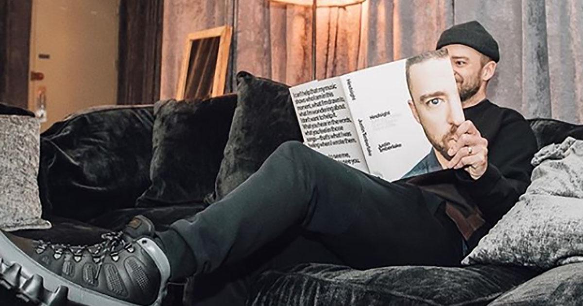 Justin Timberlake entra in libreria e firma la sua autobiografia di nascosto