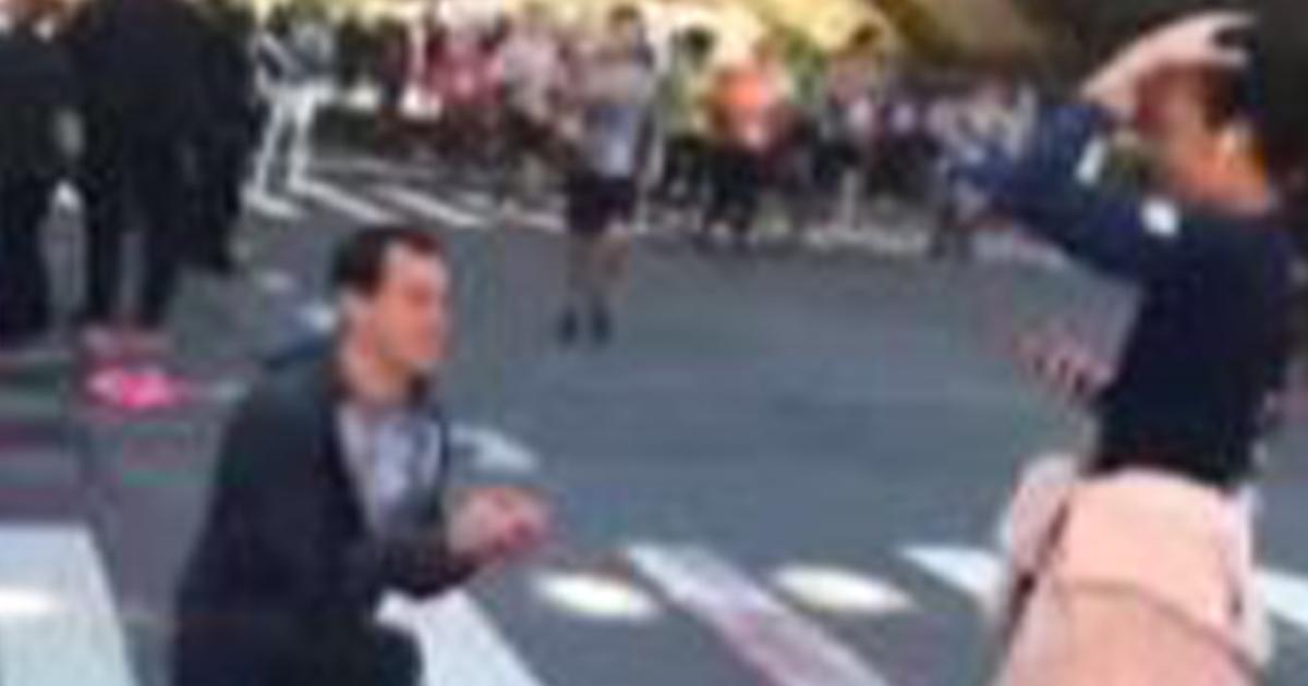 Ferma la fidanzata che stava correndo alla maratona di NY per chiederla la mano