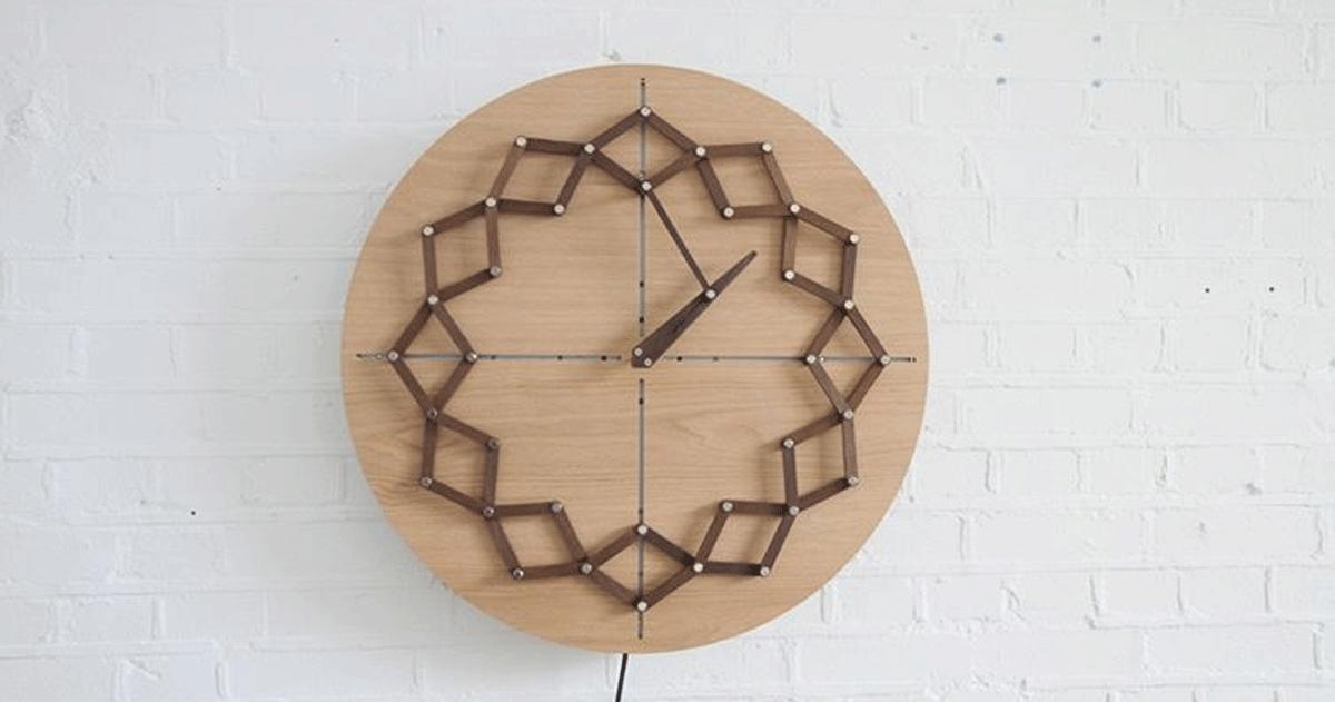Questo orologio cambia forma in base alle ore della giornata