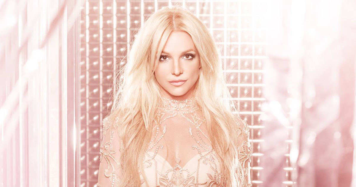 Britney Spears canta 'White Christmas' a tutti i suoi fan