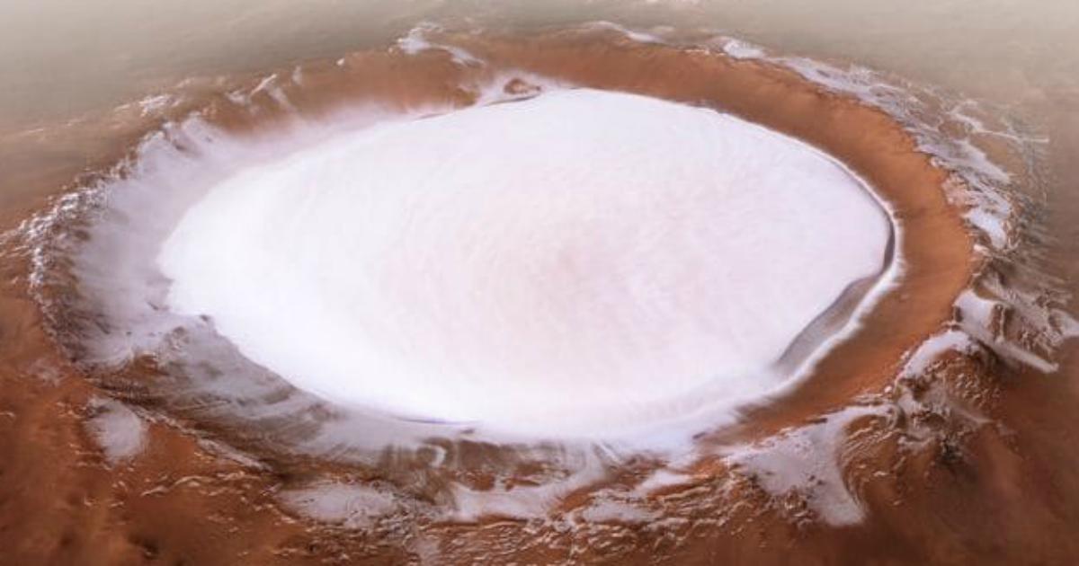 Marte: ecco le foto dell'immenso cratere Kolorev formato da solo ghiaccio