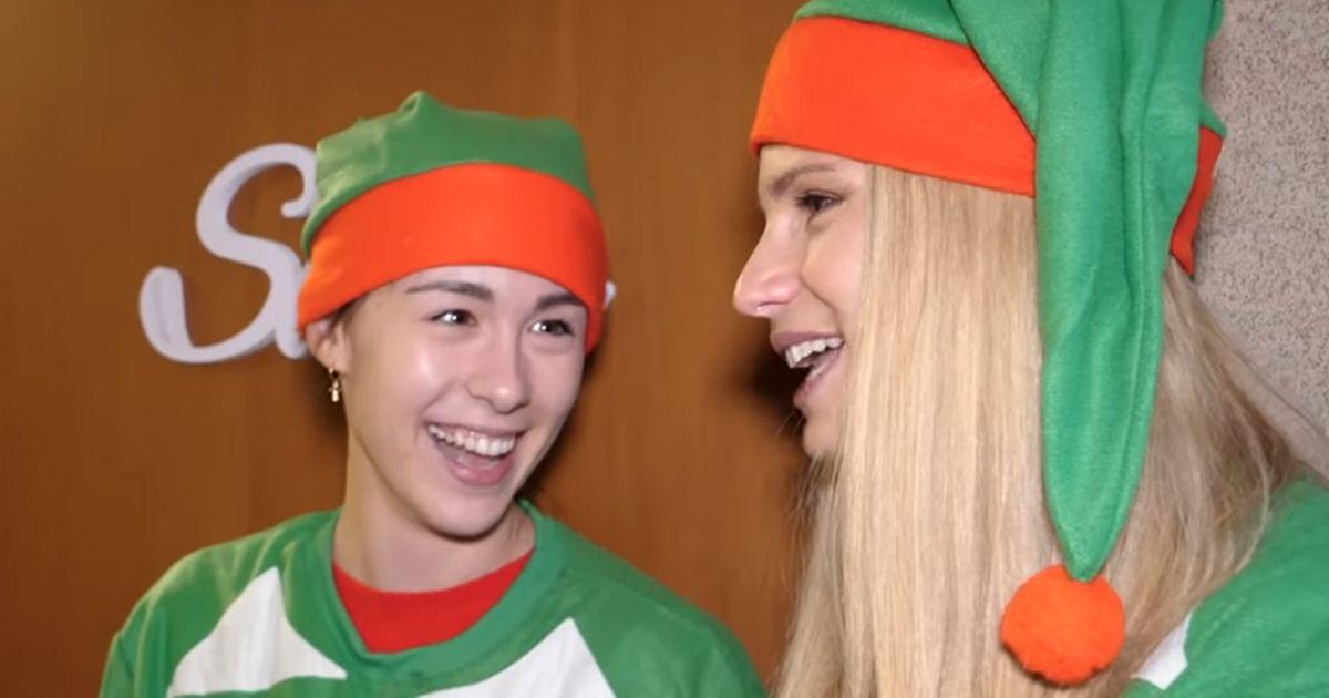 Il Natale porta  a porta di Michelle Hunziker e Aurora Ramazzotti: ecco il loro video di auguri
