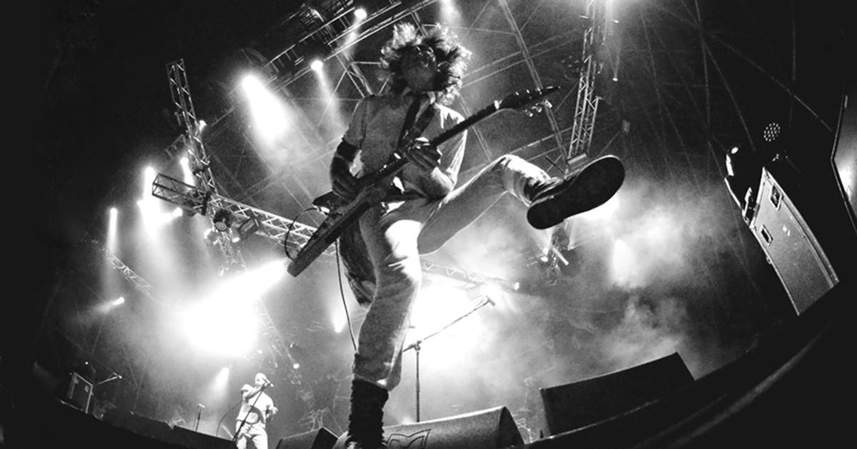 Rubate a Natale le chitarre del chitarrista dei Negrita: 'Aiutatemi a trovarle'