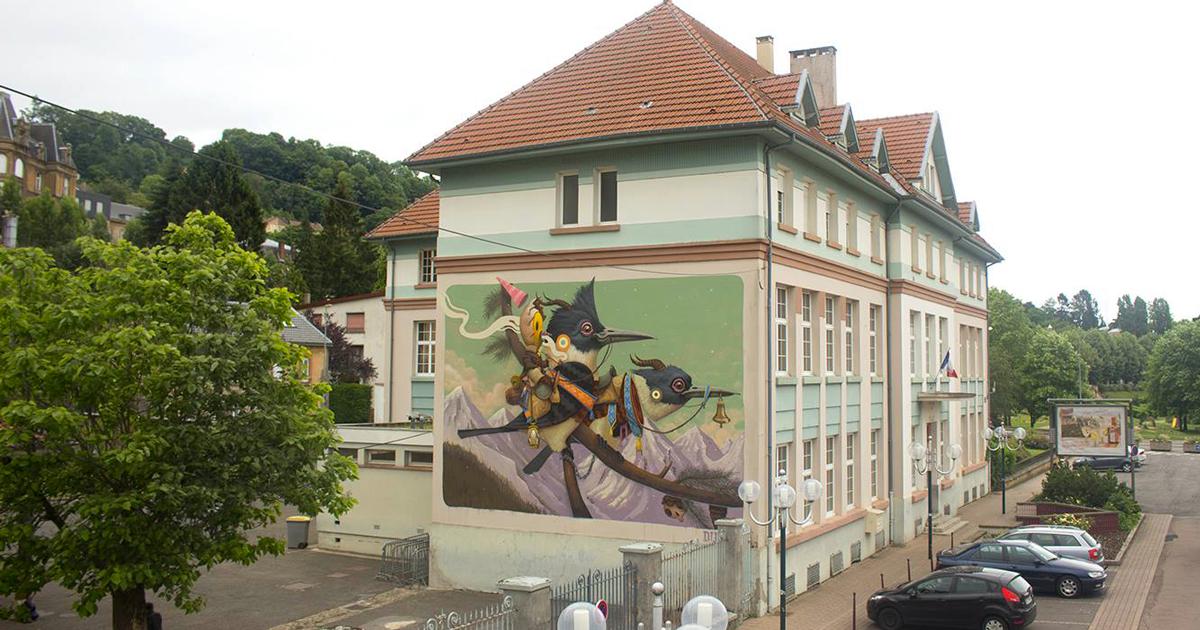 I bellissimi animali fantastici nei murales di questo artista spagnolo