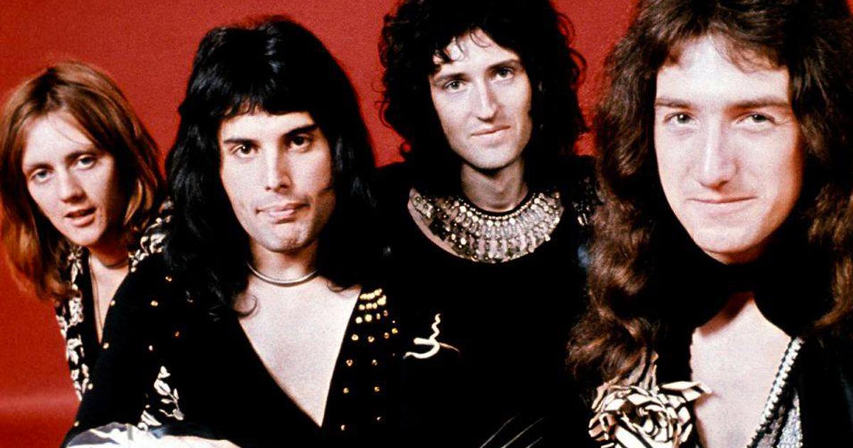 Le guardie di Buckingham Palace suonano Bohemian Rhapsody in omaggio ai Queen