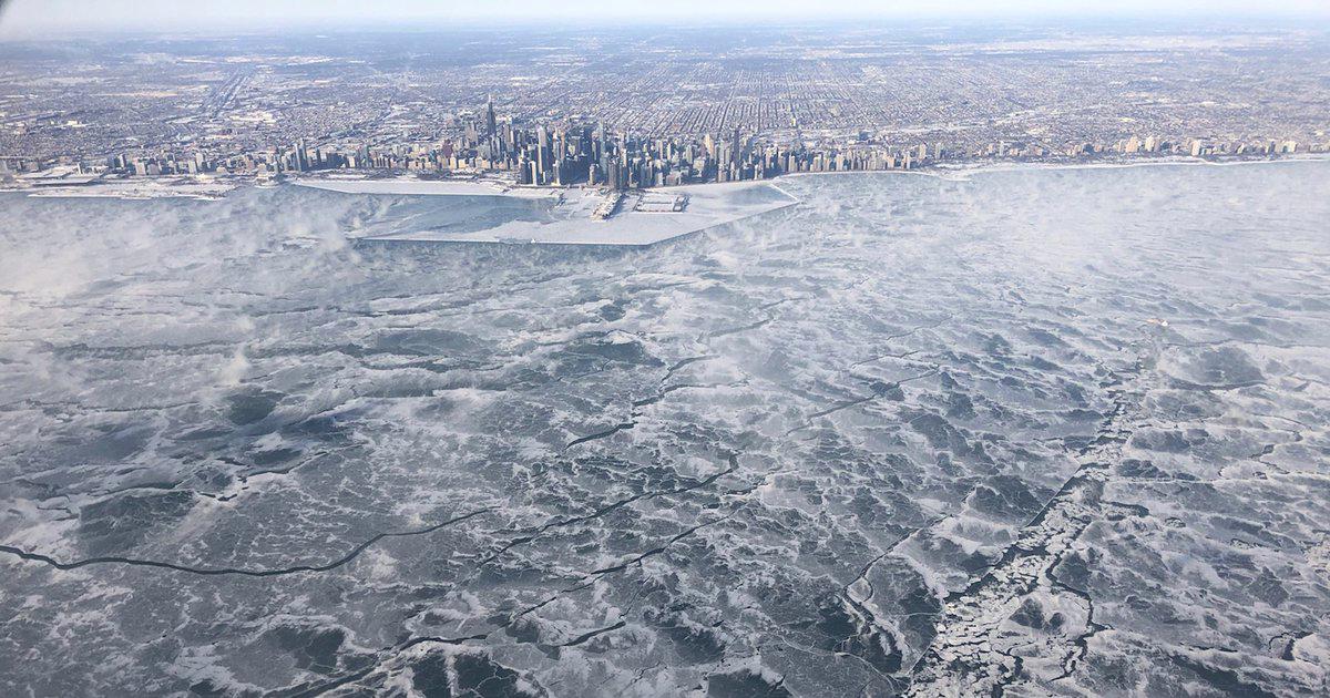 Queste foto ci spiegano bene l'emergenza gelo in America