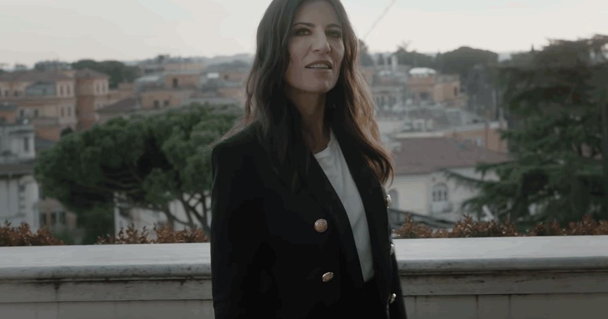 """""""L'ultimo ostacolo"""", il nuovo video di Paola Turci con Beppe Fiorello e Sarah Felberbaum"""