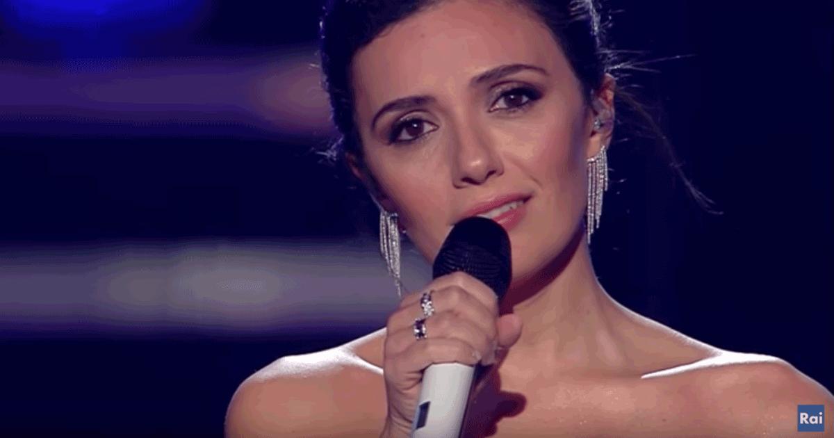 Sanremo 2019: Serena Rossi si commuove cantando 'Almeno tu nell'universo' di Mia Martini