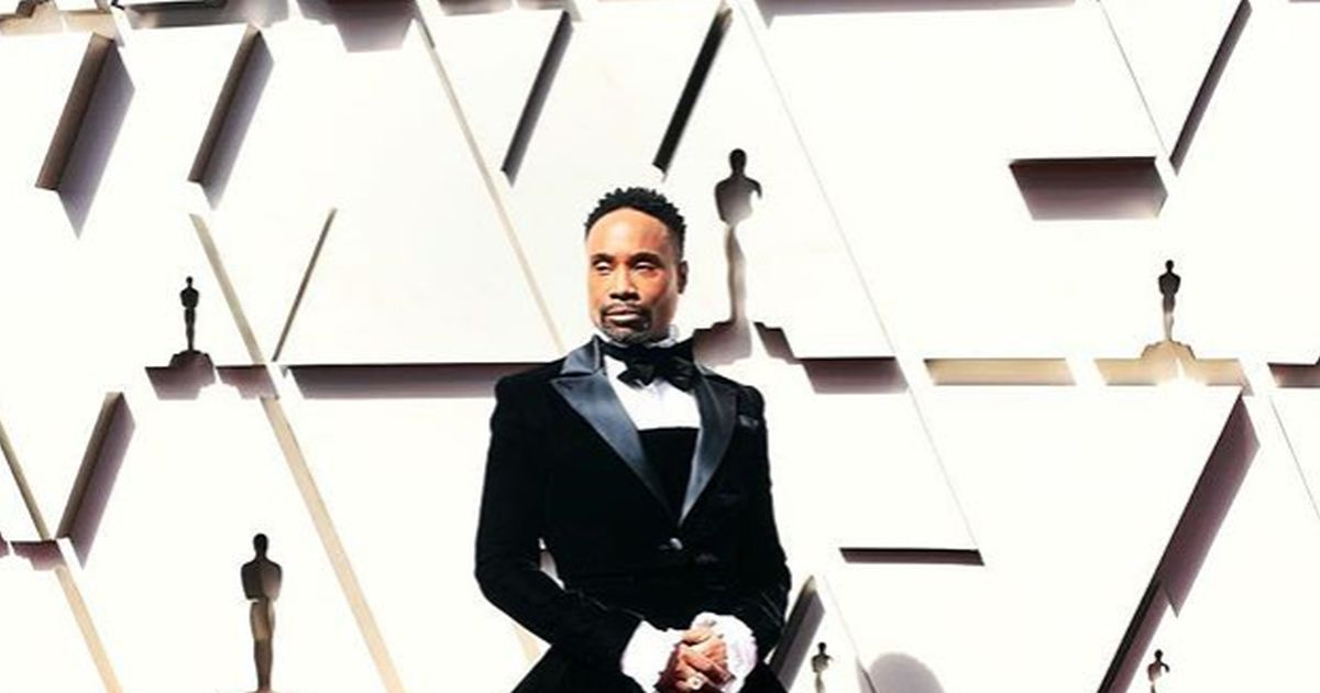 Billy Porter conquista il red carpet in smoking con super gonna