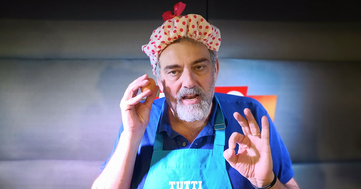 Tutti Pazzi per RDS: arriva Ciccio e paga pegno con Omelette Russa