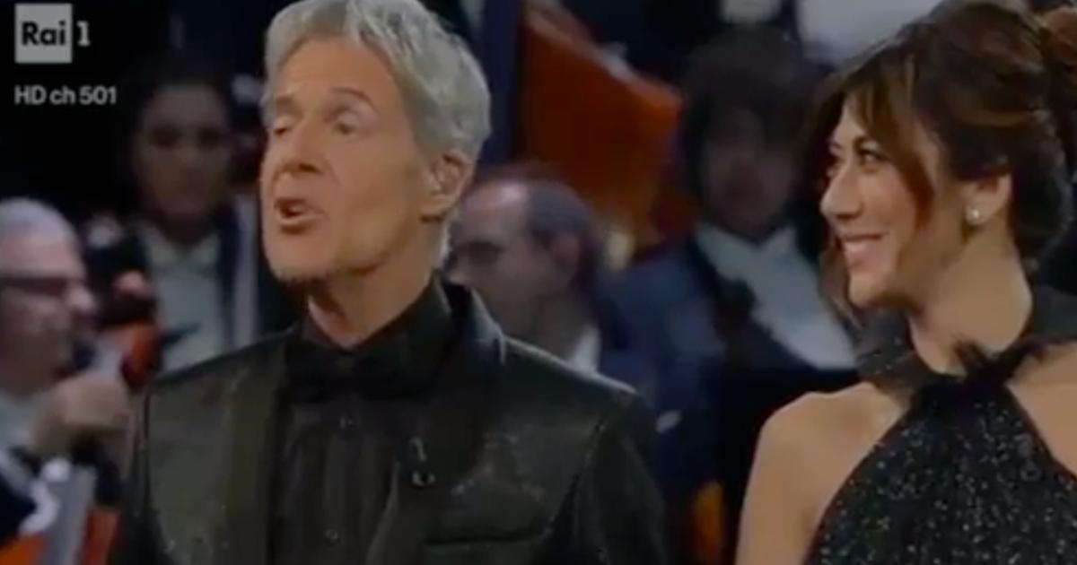 Sanremo: fischi del pubblico durante la premiazione per il miglior duetto