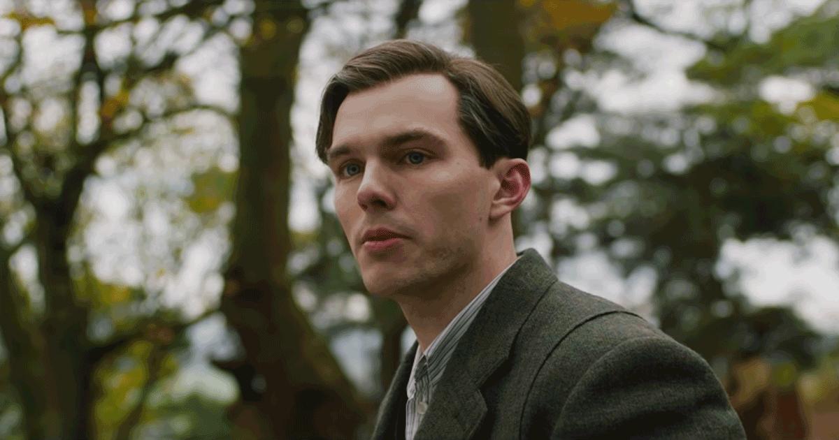 Tolkien: ecco il trailer del film sul creatore de 'Il Signore degli Anelli'