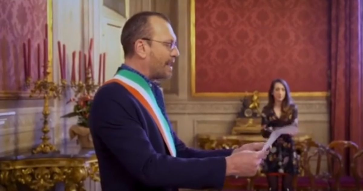 Biagio Antonacci sposa due amici: il video fa il giro del web