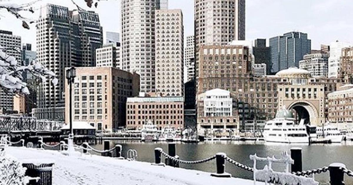 Boston è completamente ricoperta dalla neve: il paesaggio è da favola