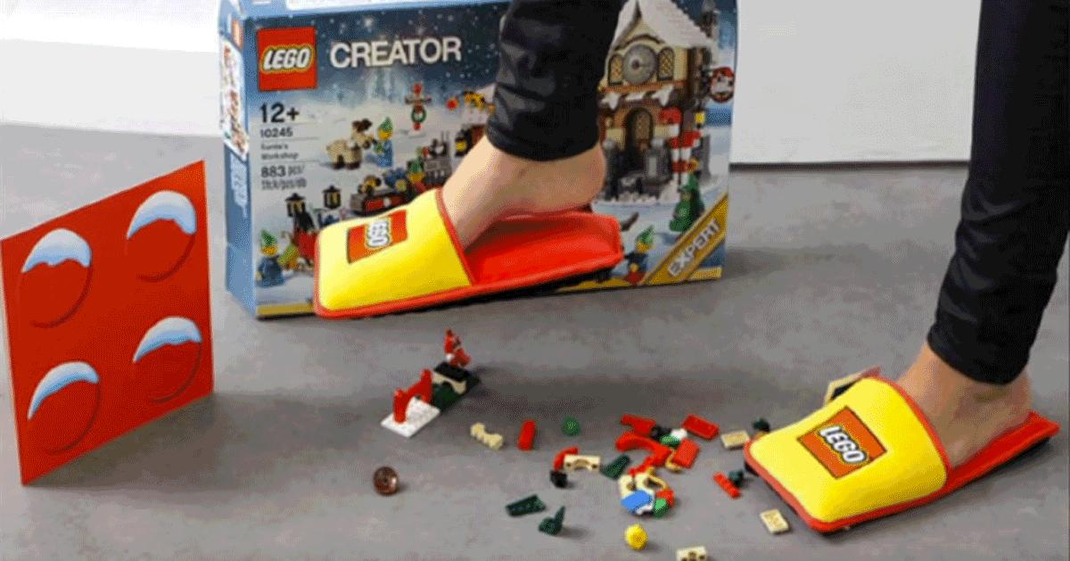 Ecco le ciabatte Lego per non farsi male camminando sui mattoncini