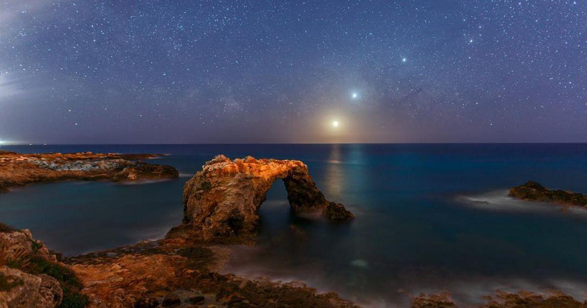 Nasa: la foto dell'allineamento di Luna, Venere e Giove è stata fatta a Siracusa