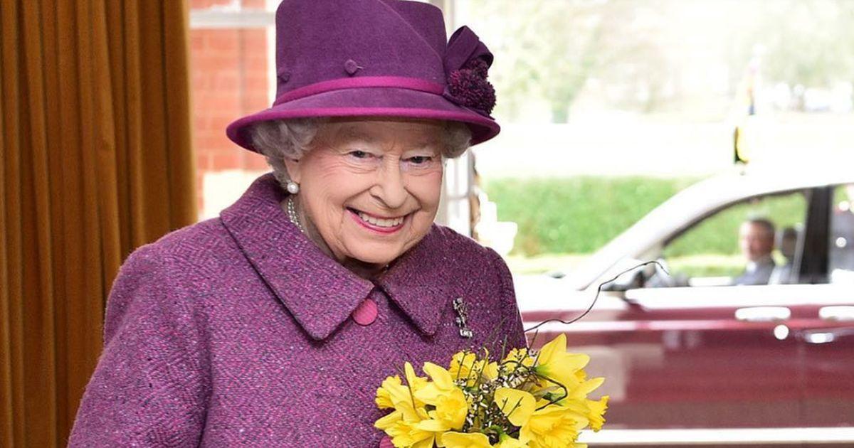 La Regina Elisabetta debutta sui social: ecco il suo primo post
