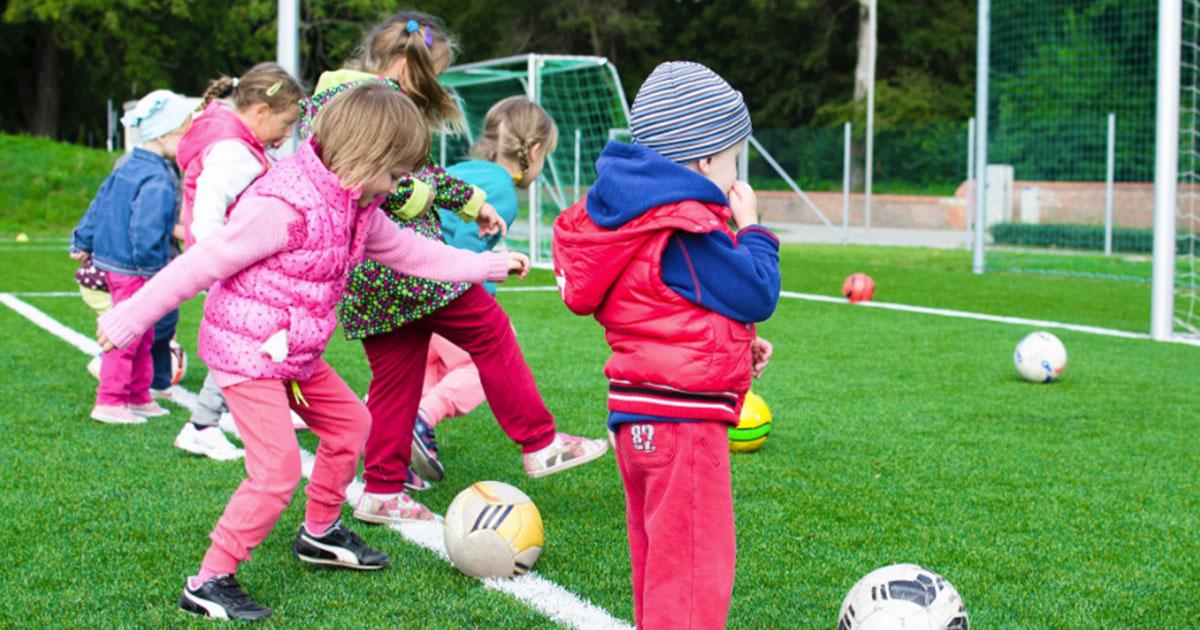 I bambini che fanno sport di gruppo saranno meno ansiosi da grandi